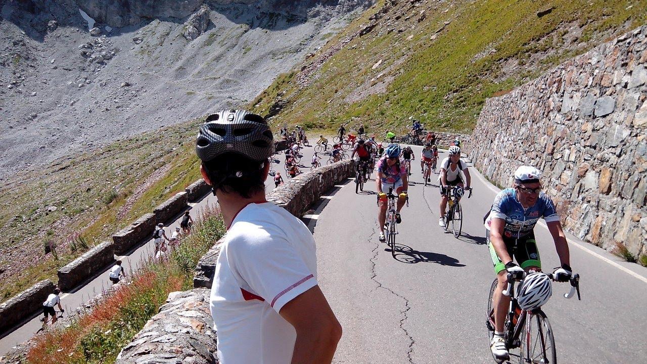 Stelvio, il 2 settembre regno dei ciclisti