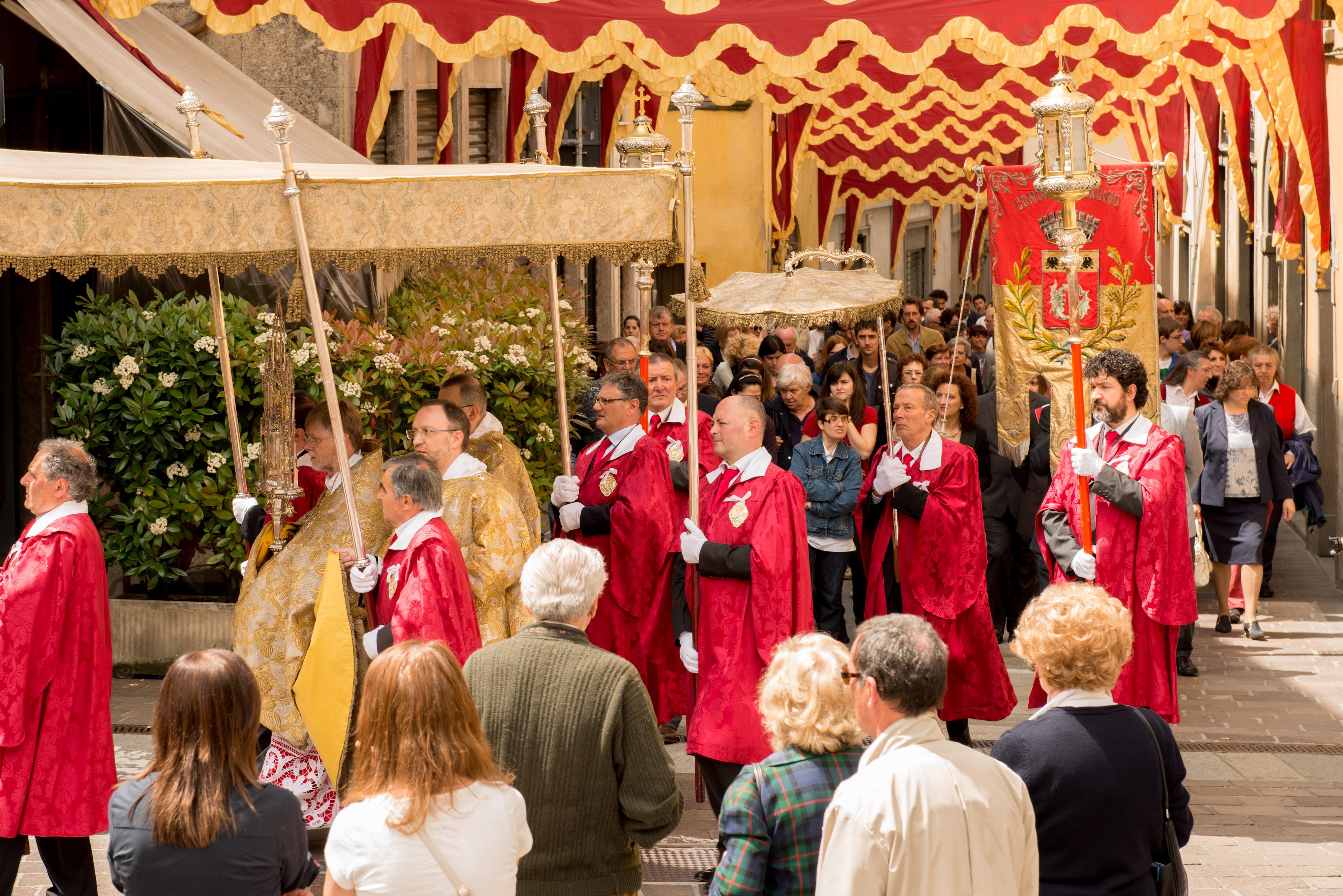 Paramenti e fede, il Corpus Domini di Gandino