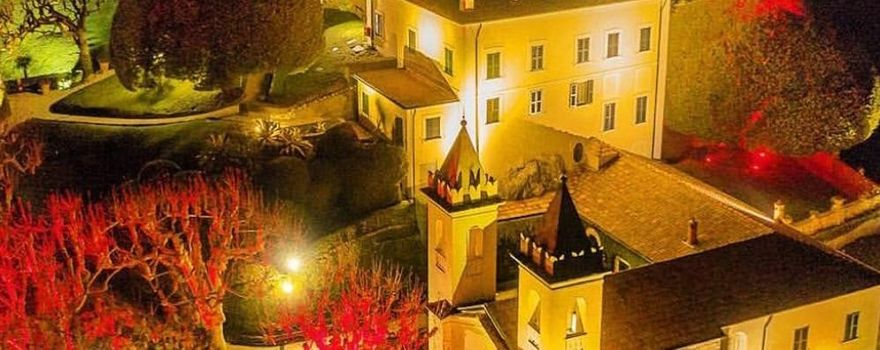 Per Natale luci su ville, monumenti e luoghi simbolo del lago di Como