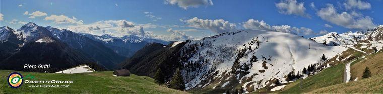 38376_21-bella-vista-panoramica-su-monti-e-valli-da-un-dosso-panoramico-sul-percorso-di-salita-a-ca_-san-marcojpg.jpg