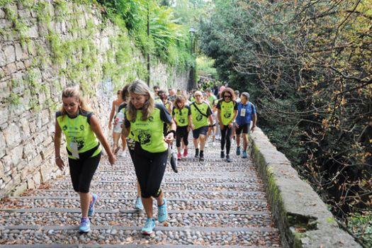 Millegradini, tre giorni tra scalette e monumenti di Bergamo