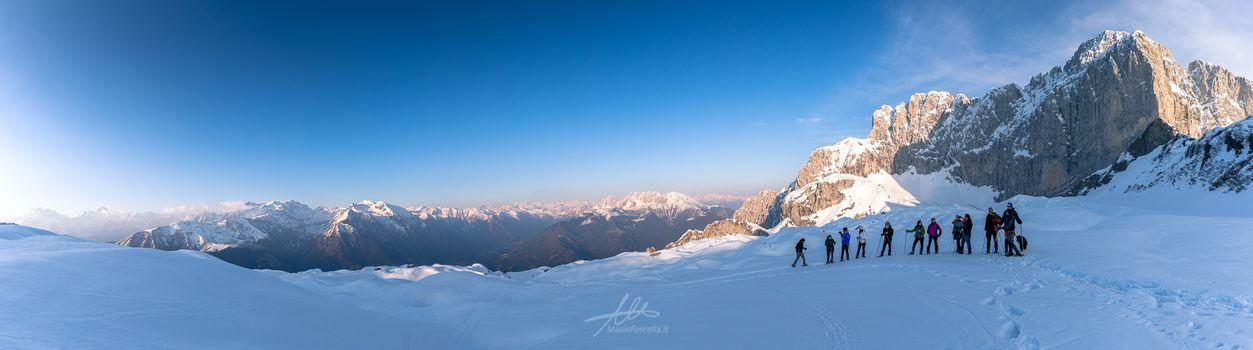 Ciaspole e sci alpinismo, Raduno al rifugio Albani