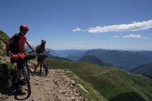 Da Como in bici tra monti e lago