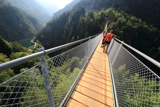 Valtartano, Ponte nel cielo a numero chiuso nei weekend