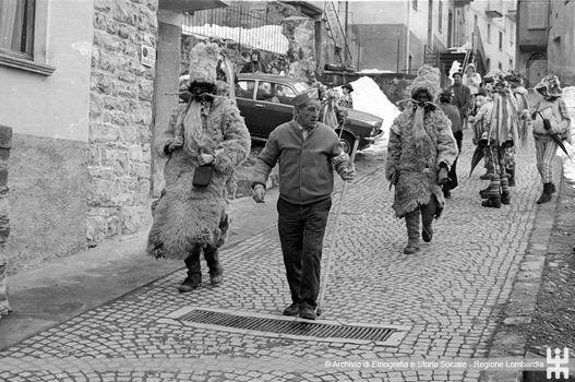 Schignano, il carnevale vive nelle foto