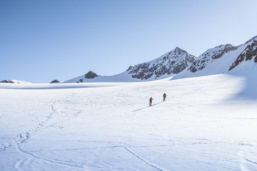 Con gli sci d'alpinismo a punta San Matteo