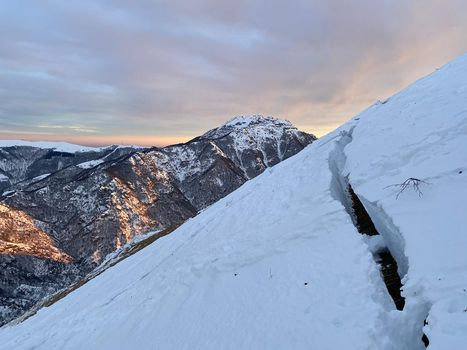 Neve fresca, crescono i rischi in montagna