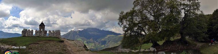 36926_85-vista-panoramica-ai-tre-faggi-e-al-tempietto-jpg.jpg