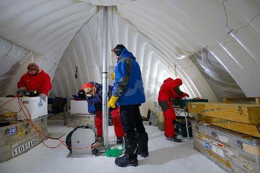 Nuovi studi nel ghiaccio dell'Adamello