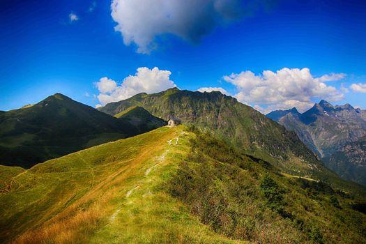 Turismo tra valli e laghi bergamaschi.  Un progetto di Cai e Promoserio