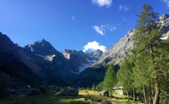 Un'estate di escursioni gratuite con Guide e Accompagnatori di media montagna