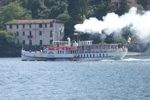 Como, tour del lago col Concordia