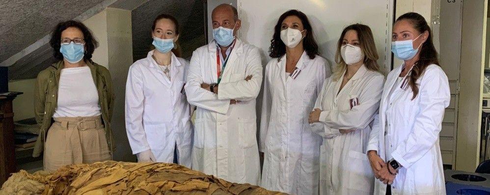 Mummia, restauro in diretta