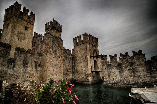 Il castello di Sirmione tra i più affascinanti d'Europa