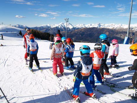 Lezioni gratis, skipass promozionali: è tempo di mettere gli sci!