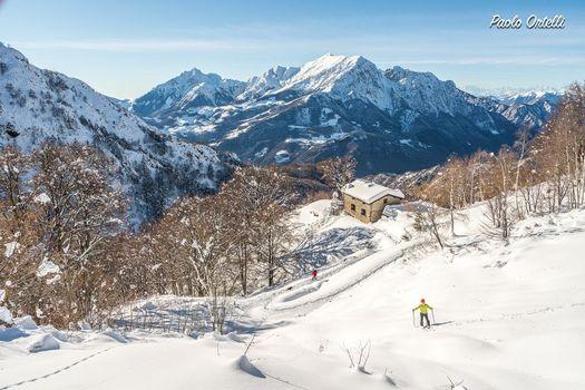 Con la neve al rifugio Buzzoni