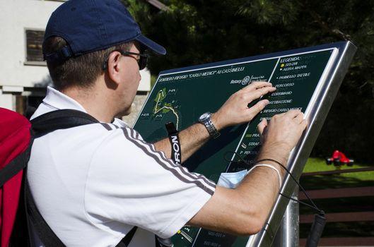 Mappe tattili e panchine: l'escursione per tutti in Presolana