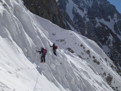 Pakistan, portati in salvo gli alpinisti travolti  da una valanga