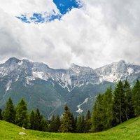 Le tue gallery sono inconfondibili, perché le tue panoramiche sono poesia ... Devi venire in Alben, sicuramente coglierai visione di questa montagna  in grande stile!