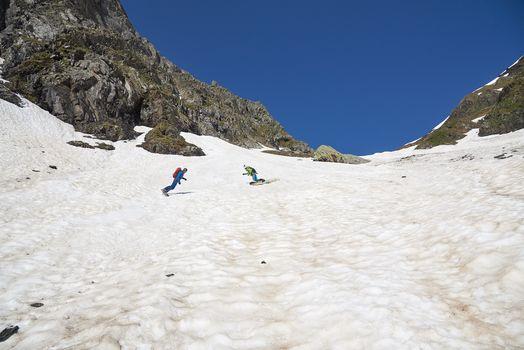 Nel canale di Valsecca con lo snowboard