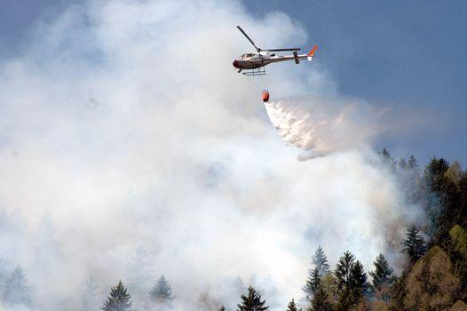 Incendi boschivi, allarme rosso sul Lario