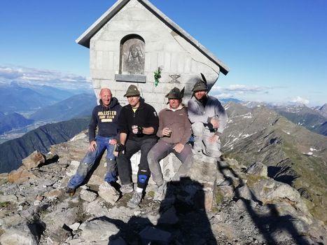 Gli alpini di Colico recuperano la cappelleta del Legnone