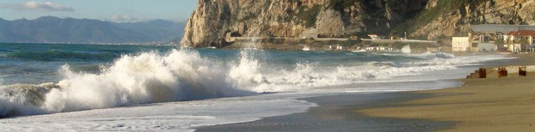 13511_un-mare-spumeggiante