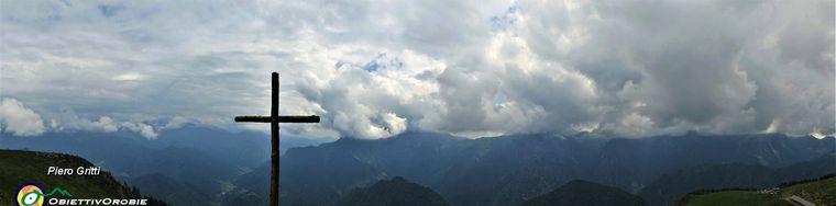 36089_63-vista-panoramica-sulla-valle-dalla-grande-croce-ligneajpg.jpg