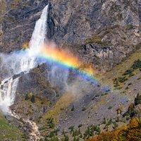 Grandiosa quella striscia di arcobaleno, merito della bellezza della natura e del polarizzatore, immagino