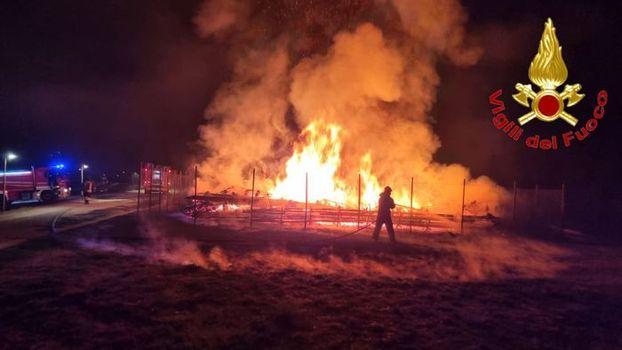 Lodi, in fiamme la Cattedrale vegetale