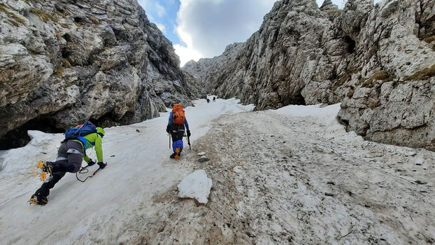 23.05.2021: Cima Bacchetta - Canale del Canyon (PD+)