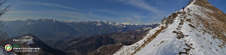 37919_39-al-colletto-la-cima-del-monte-gioco-con-vista-sulla-val-brembana-e-i-suoi-montijpg.jpg
