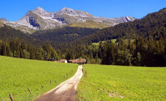 Trekking guidato nella incantevole valle azzurra