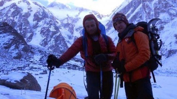 Nanga Parbat, Tomek Mackiewicz ed Elisabeth Revol in pericolo a 7.000 metri