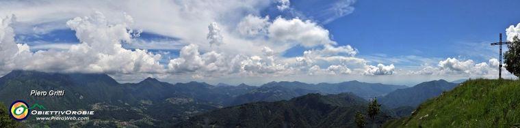 36134_71-vista-panoramica-ad-ampio-raggio-dalla-vetta-del-monte-gioco-_1366-m_jpg.jpg