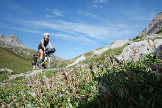 Treno e bici, servizio Trenord anche in valle Camonica