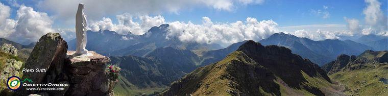 36788_40-alla-bianca-madonnina-del-pietra-quadra-_2356-m_-_gem-_gruppo-escursionisti-mozzo_jpg.jpg