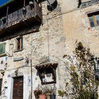 Questa e' la casa della guida Alpina Antonio Baroni a Sussia.